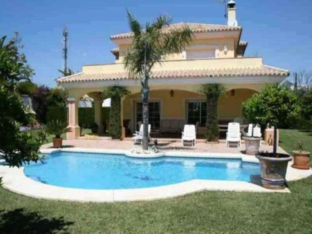 Casa-Chalet en Venta en Estepona Málaga