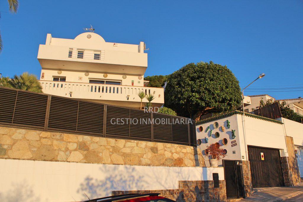 Casa chalet en venta en canet de mar barcelona for Piscina canet de mar