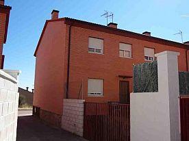 Pareado en Venta en San Martín De Valdeiglesias, Madrid
