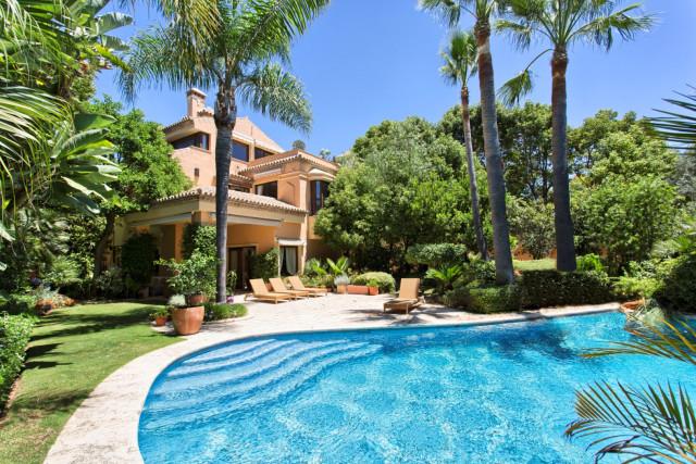 Casa-Chalet en Venta en Nagueles Málaga