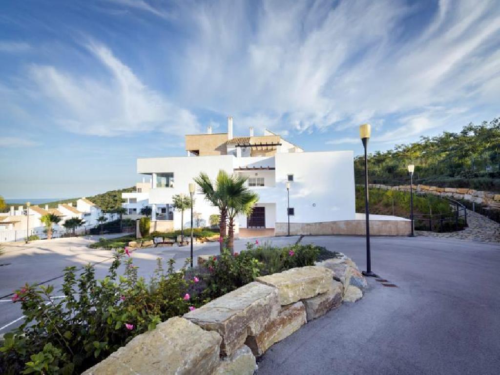 PISOS EN LA ALCAIDESA, SAN ROQUE  EN RESIDENCIAL EXCLUSIVO DESDE  149.000€