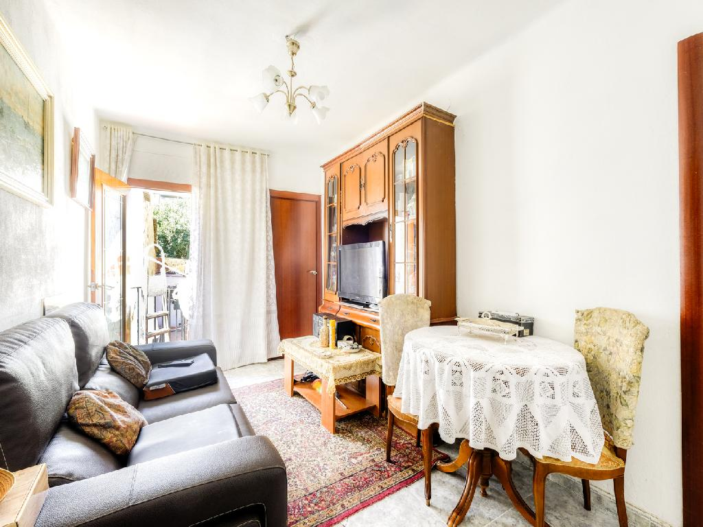 Piso en venta de 63 m² Calle Mare Eterna, 08030 Barcelona