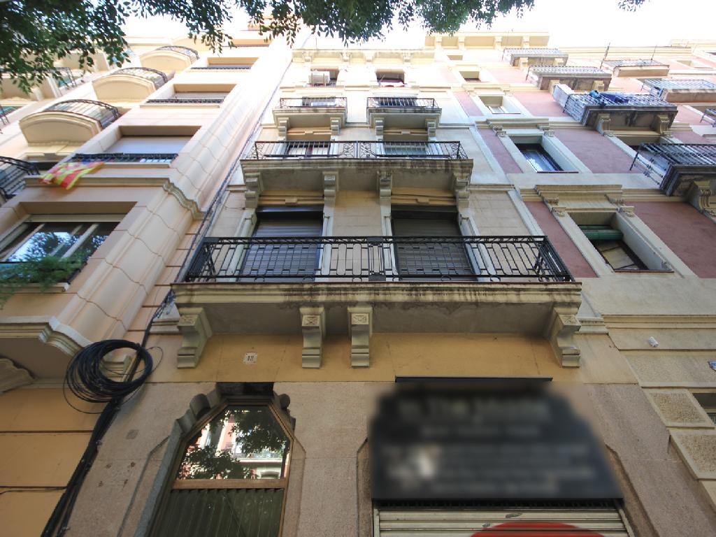 Piso en venta de 78 m² Calle Viladomat, 08015 Barcelona