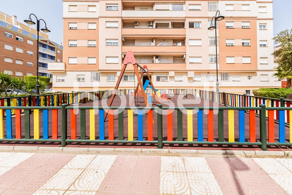 Ático en venta de 100  m²  Calle Hermanos Pinzón, 04740 Almería