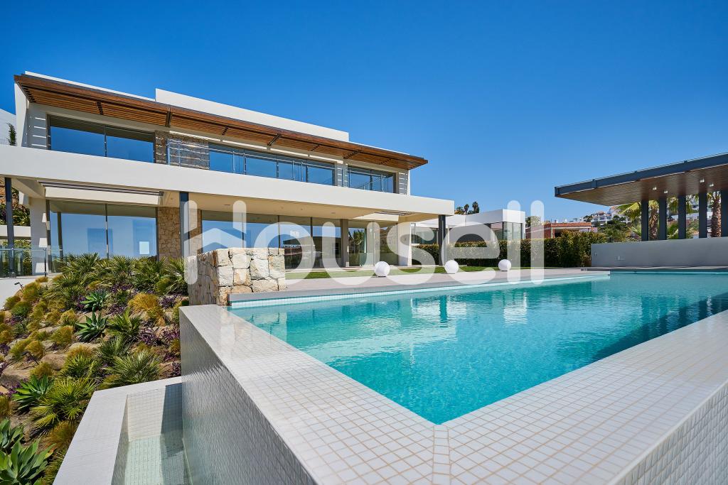 Chalet en venta de 590m² con parcela de 1.416m²en Calle Budapest , 29679 Benahavís, Málaga.